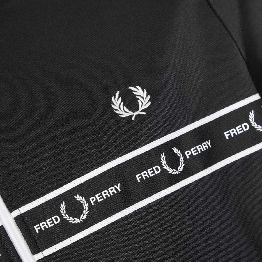 fred_perry_taped_jacket_black_20204_03