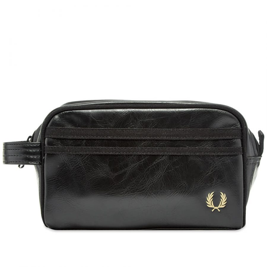 31-07-2019_fredperry_authenticclassicwashbag_black_l7232-102_gh_1